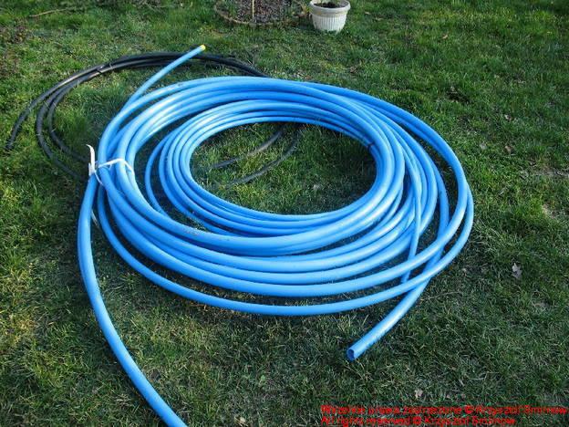niebieskie, atestowane rury wodne