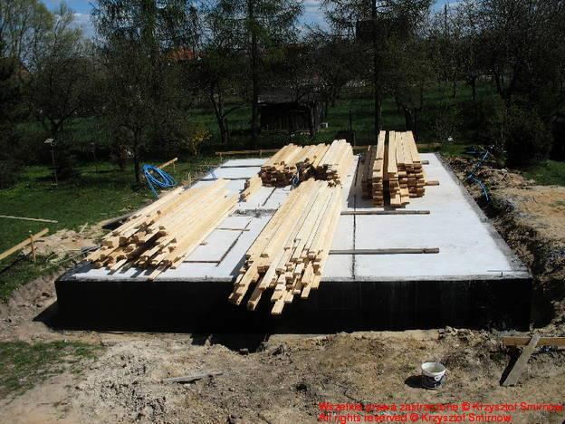 drewno po rozladunku