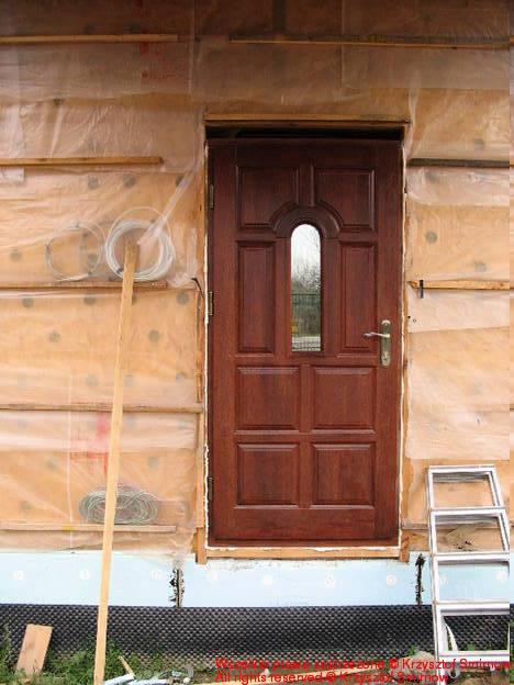 Drzwi w domu, słodkim domu.