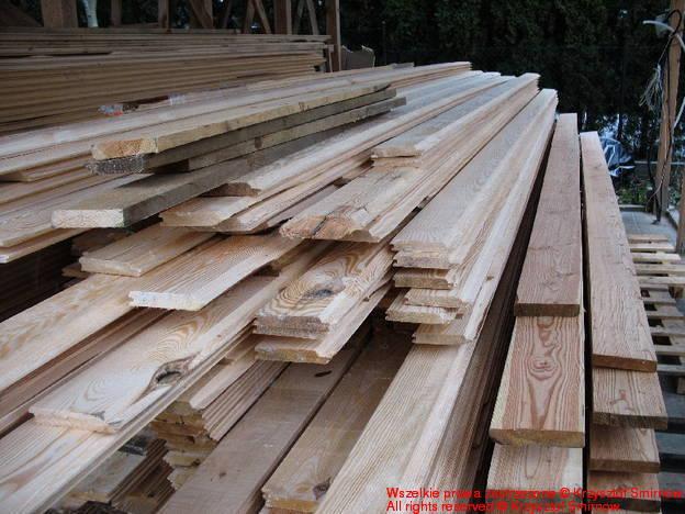 Sosnowe drewno elewacyjne.